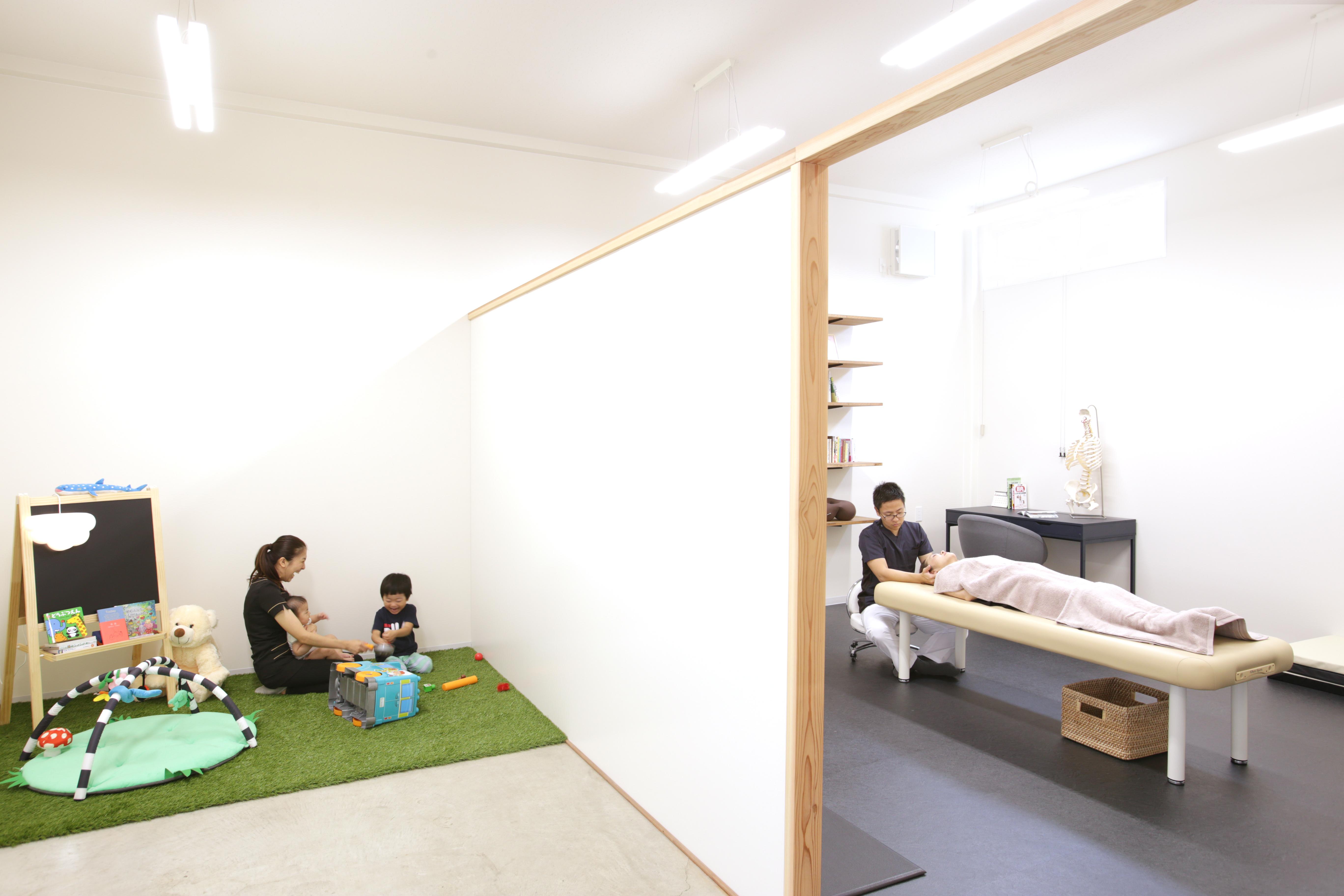 福岡市西区姪浜で産後骨盤矯正をゆっくりお受け頂ける空間を提供しています。