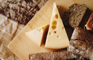 カルシウムを多く含む食材のチーズ