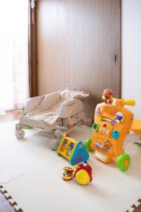 キッズスペース おもちゃ ベビーベッド